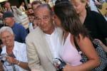 Jacques Chirac: retour dans uncafé deSaint-Tropez, avecBernadette
