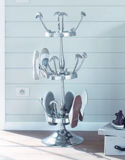 un porte chaussures fa on porte manteau 32 astuces pour ranger ses chaussures linternaute. Black Bedroom Furniture Sets. Home Design Ideas