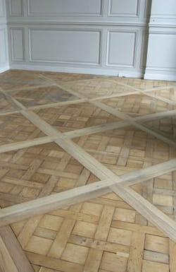 les puces dans le plancher comment lutter contre les nuisibles dans la maison linternaute. Black Bedroom Furniture Sets. Home Design Ideas