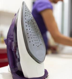 Entretenir un fer repasser les vertus du savon de for Nettoyer la semelle d un fer a repasser