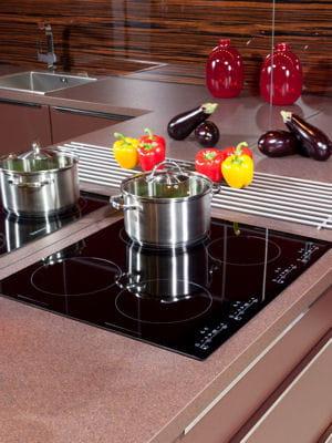 Nettoyer les plaques de cuisson for Nettoyer plaque vitroceramique vinaigre