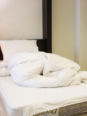 laver sa couette au moins deux fois par an. Black Bedroom Furniture Sets. Home Design Ideas
