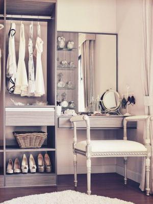 nettoyer son miroir. Black Bedroom Furniture Sets. Home Design Ideas