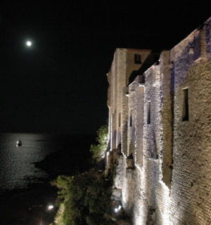 vue depuis le fort royal de l'île marguerite aux lérins.