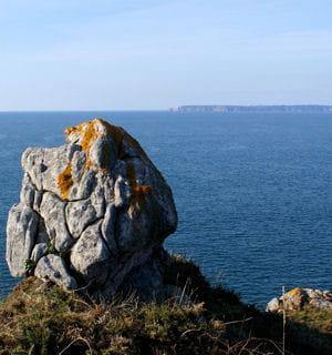 selon les contes bretons, la cité d'ys se trouvait sur lapointe du finistère.