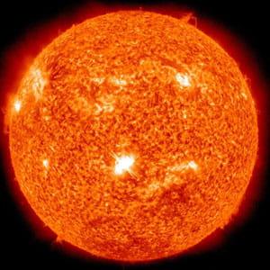 la plus forte éruption du soleil depuis 4 ans a été enregistrée par sdo sur