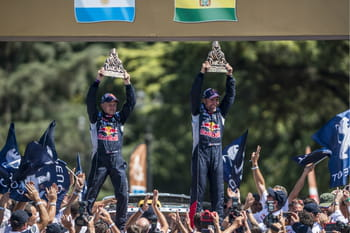 dakar 2016 loeb remporte la derni re tape peterhansel s 39 impose classement r sultats. Black Bedroom Furniture Sets. Home Design Ideas