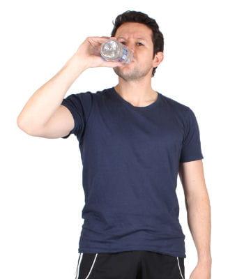 boire de l 39 eau fait il maigrir sport et minceur 10 questions r ponses linternaute. Black Bedroom Furniture Sets. Home Design Ideas