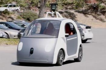 la voiture sans volant sans p dales ni conducteur de google linternaute. Black Bedroom Furniture Sets. Home Design Ideas