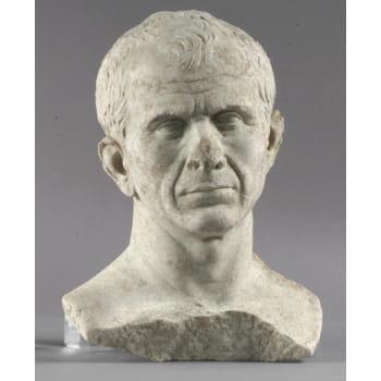 ce buste de jules césar a été découvert dans le rhône au cours de fouilles