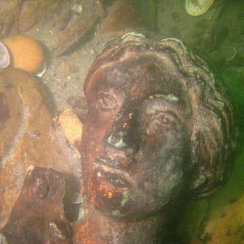 cette statue de la victoire a aussi été retrouvée dans le rhône.