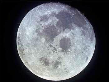 la course à la lune est en enjeu plus que scientifique mais aussi politique