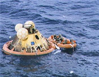 les trois astronautesamerrissent enplein pacifiquele 24 juillet