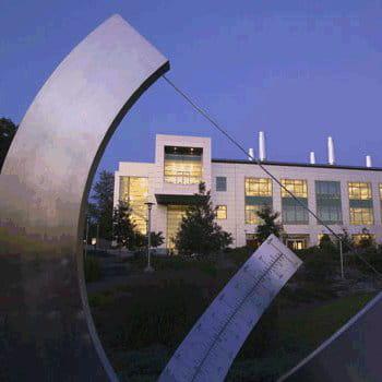 l'université cornell d'ithaca se classe à la treizième position des meilleures