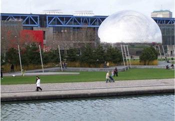 la parc de la villette se compose du musée des sciences et de l'industrie et de