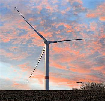 cette tour capte plus de vents que les éoliennes car elle offre une plus grosse