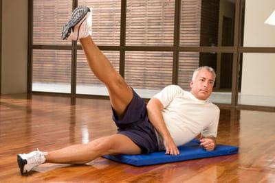 Comment maigrir des hanches : avec le sport, avec les bons