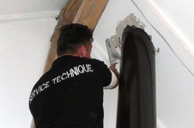 reboucher l 39 ouverture dans le plafond installer un po le bois linternaute. Black Bedroom Furniture Sets. Home Design Ideas