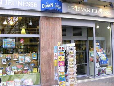 Librairie le divan jeunesse la librairie qu 39 il vous faut for Divan jeunesse 75015