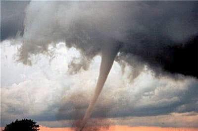 la force des tornades se répertorie grâce à l'échelle de fujita.