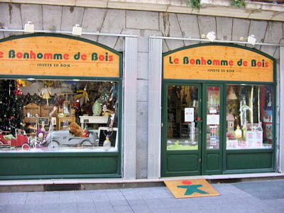 le bonhomme de bois, huit boutiques en région parisienne