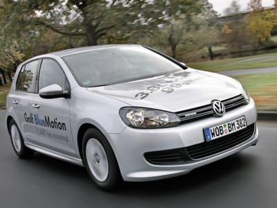 volkswagen golf bluemotion 3 8 l 100 km les voitures qui consomment le moins de carburant. Black Bedroom Furniture Sets. Home Design Ideas