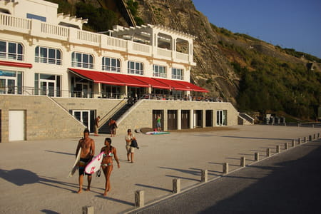 Surfeur - La Grande Plage de Biarritz
