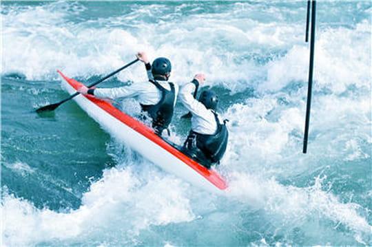 quelle est la diff rence entre kayak et cano. Black Bedroom Furniture Sets. Home Design Ideas
