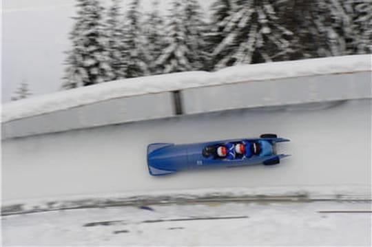 A quelle vitesse va un bobsleigh for Interieur bobsleigh