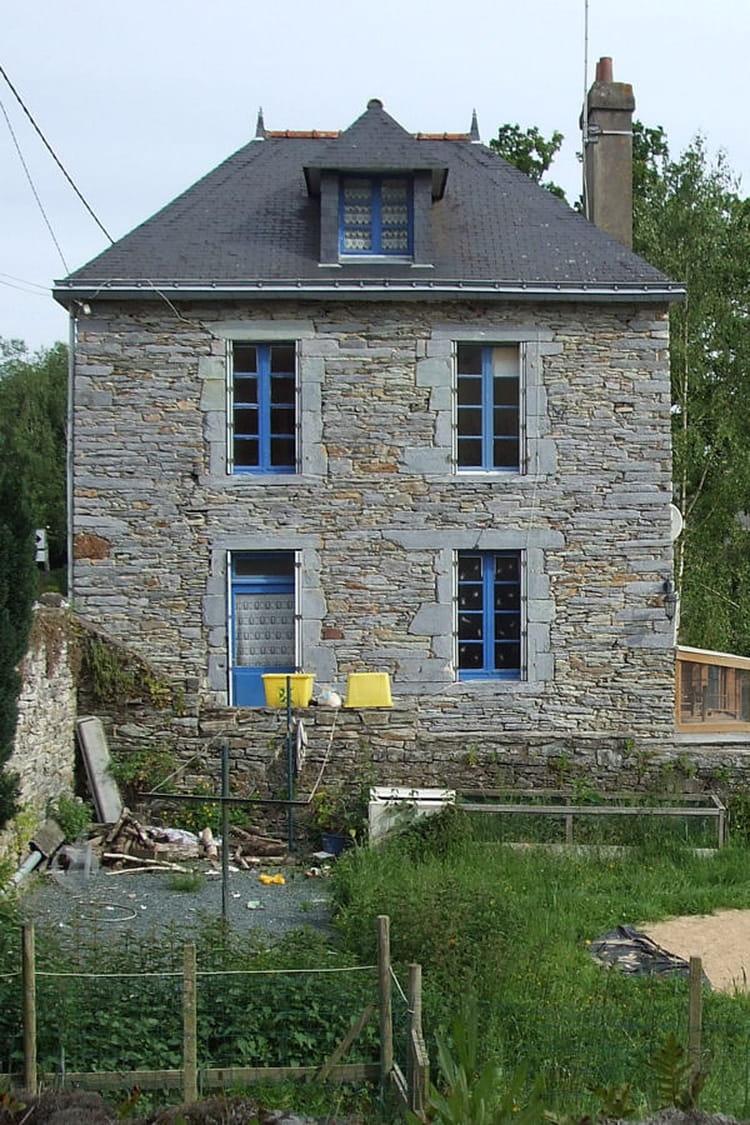 Suivez la r novation d une jolie maison bretonne for Magazine maison et travaux