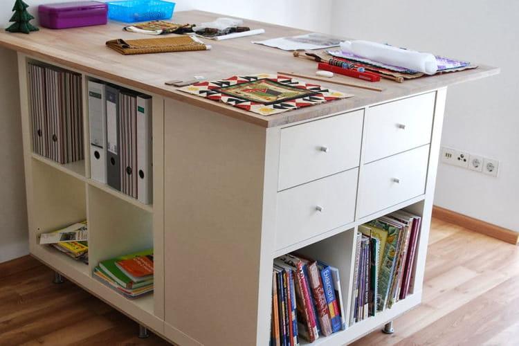 Une station de travail  Ikea Hackers  20 idées pour relooker vos meubles Ik -> Relooking Meubles Télé Ikea