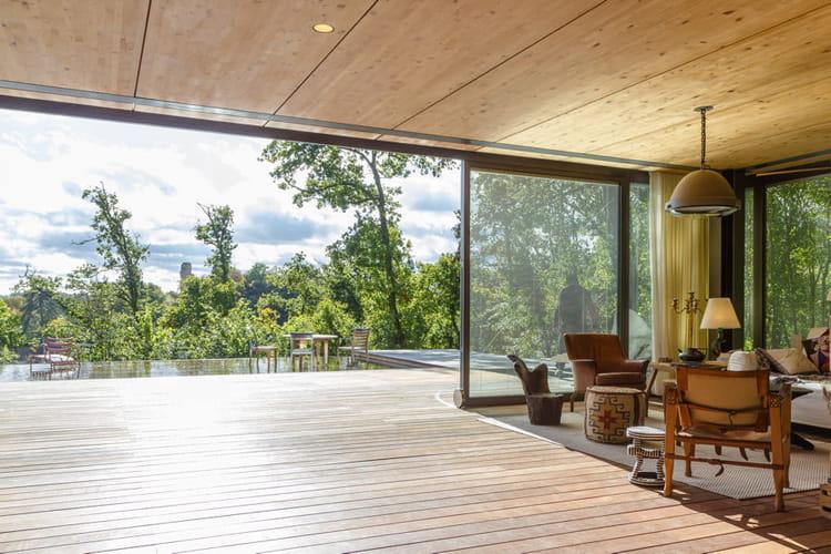 Une maison ouverte sur l 39 ext rieur la maison starck for Designer maison exterieur