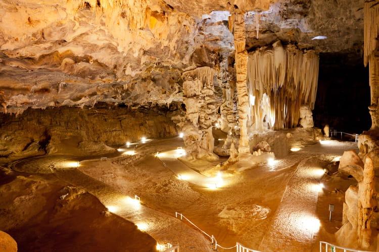 les grottes du cango en afrique du sud les plus belles. Black Bedroom Furniture Sets. Home Design Ideas