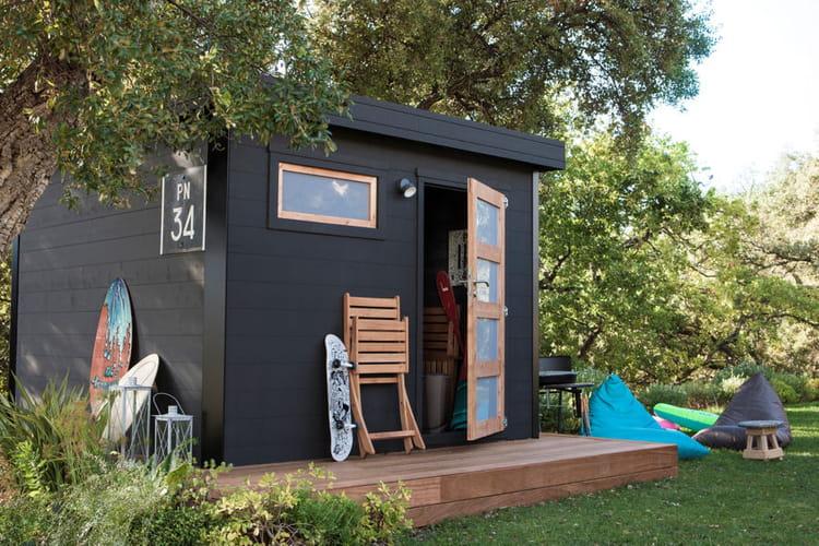 une cabane moderne des cabanes de r ve pour sublimer votre jardin linternaute. Black Bedroom Furniture Sets. Home Design Ideas