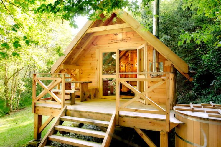 la cabane cologique des cabanes de r ve pour sublimer votre jardin linternaute. Black Bedroom Furniture Sets. Home Design Ideas