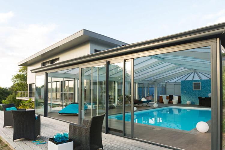 Une v randa de piscine 20 belles v randas pour agrandir votre maison linternaute for Veranda pour piscine prix