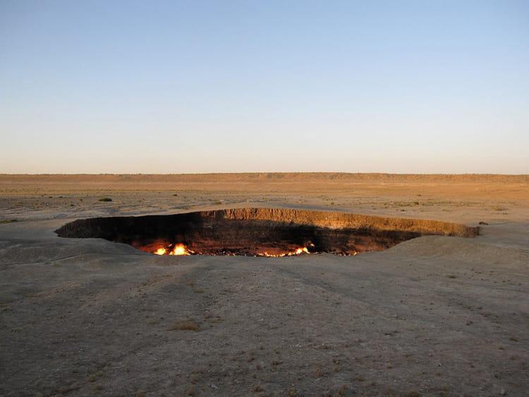 La porte de l enfer derweze 30 lieux irr els et magiques en asie linternaute - Turkmenistan porte de l enfer ...