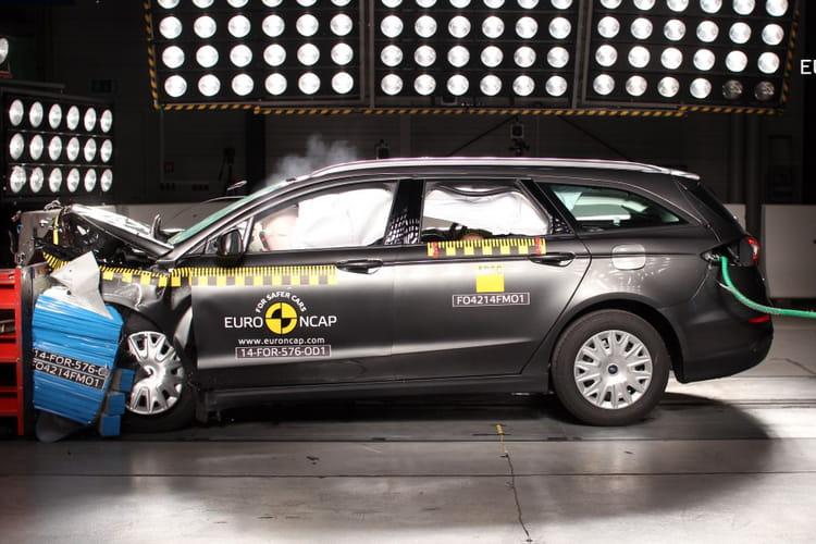 ford mondeo 2014 crash test les voitures les plus s res selon euro ncap classement 2014. Black Bedroom Furniture Sets. Home Design Ideas
