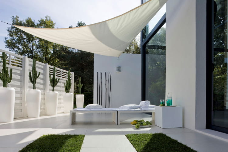 une terrasse design 20 terrasses dans l 39 air du temps linternaute. Black Bedroom Furniture Sets. Home Design Ideas
