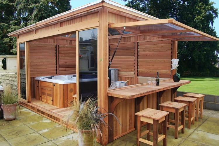Un espace d tente pour le jardin for Spa exterieur couvert