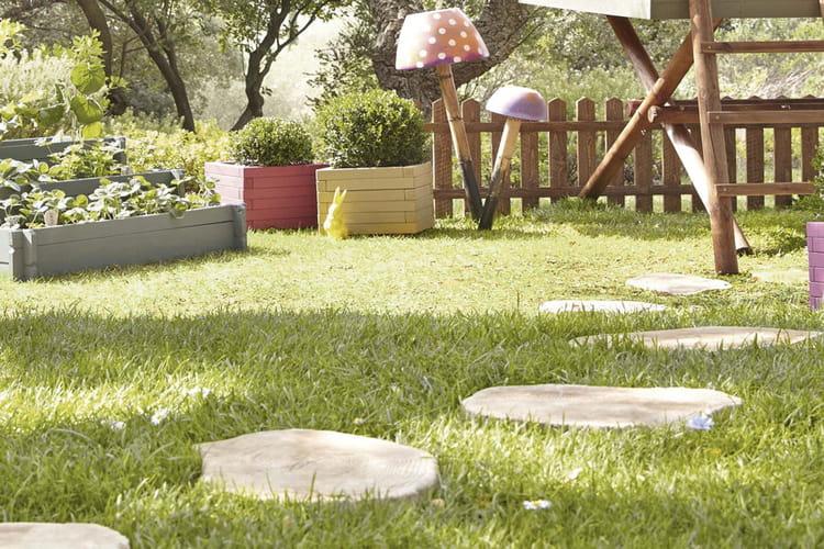 placer des pas japonais des astuces d co pour la terrasse ou le jardin linternaute. Black Bedroom Furniture Sets. Home Design Ideas