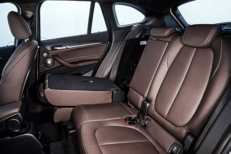 une nouvelle banquette coulissante bmw x1 les premi res images du nouveau suv linternaute. Black Bedroom Furniture Sets. Home Design Ideas