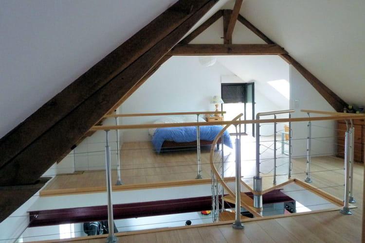 Une grande chambre design - Amenager une cage d escalier ...