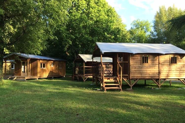 la for t hautes pyr n es 20 campings pas chers et en pleine nature linternaute. Black Bedroom Furniture Sets. Home Design Ideas