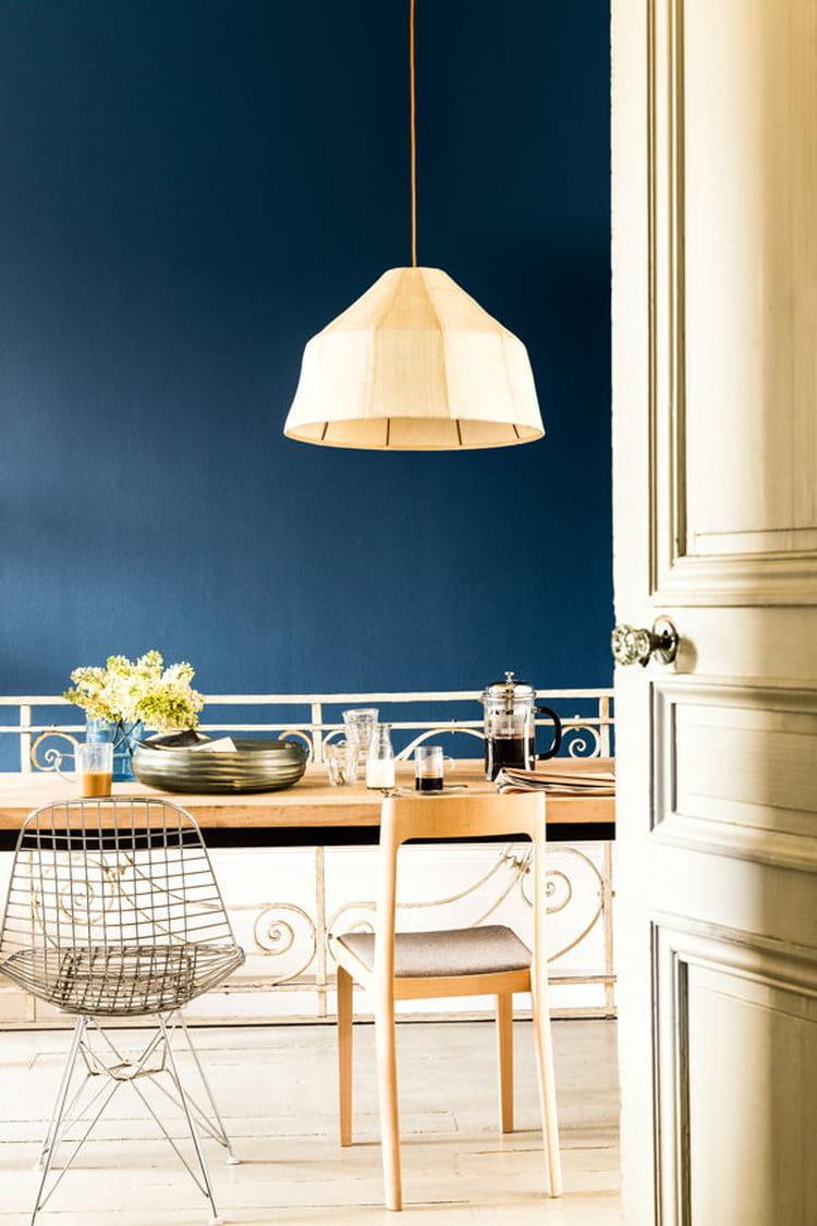 du bleu canard pour la cuisine peinture les couleurs tendance de 2015 linternaute. Black Bedroom Furniture Sets. Home Design Ideas