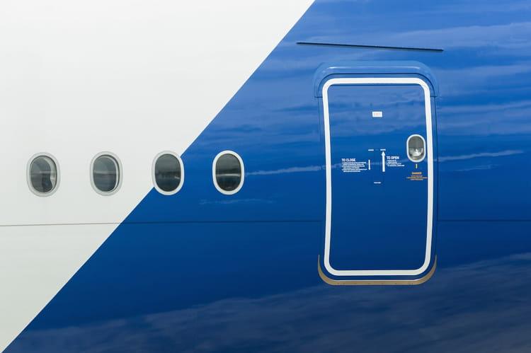Ouvrir la porte d un avion en vol possible ou impossible 20 choses que vous ignorez sur - Ouvrir une porte avec une carte ...