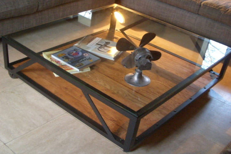 Fabriquer table basse style industriel bande for Construire sa table basse