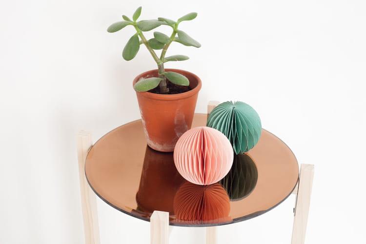 une table basse miroir des tables basses faciles. Black Bedroom Furniture Sets. Home Design Ideas