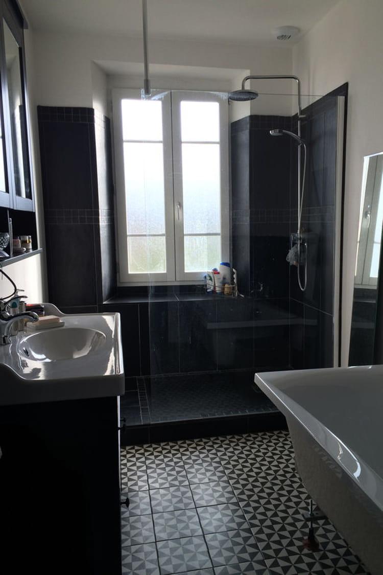 Une salle de bain authentique et moderne la r novation d for Une salle de bain moderne