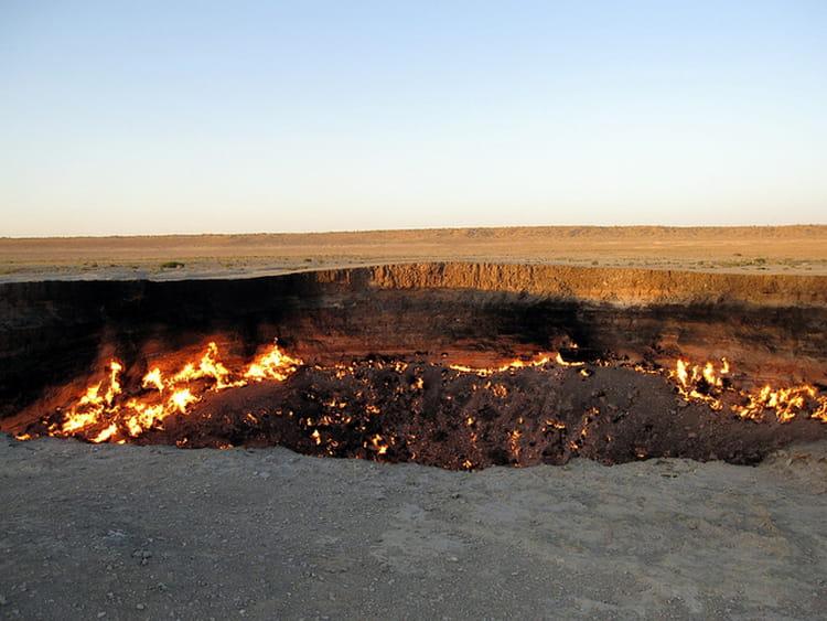 La porte de l enfer au turkm nistan les destinations les plus effrayantes du monde linternaute - Turkmenistan porte de l enfer ...